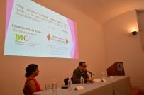 """La Jornada por el """"Día Mundial de la Diversidad Cultural para el Diálogo y el Desarrollo"""", celebrado el 21 de mayo de acuerdo a la Asamblea General de la UNESCO, se llevó a cabo con éxito en el Auditorio """"José María Luis Mora"""" del Museo Regional de Guanajuato Alhóndiga de Granaditas, México. Evento organizado por el Museo Regional de Guanajuato Alhóndiga de Granaditas, México. Participaron Red U40, México, Mexican Cultural Centre (MCC), Reino Unido, Secretaria de Educación de Guanajuato (SEG), y la comunidad Otomí del Estado de Guanajuato. Eduardo Estala Rojas, director general del MCC, impartió la conferencia: """"The Mexican Cultural Centre (MCC), Reino Unido, y su aportación para la difusión de la diversidad cultural"""". Fotografías: Doris Zendejas / Museo Regional de Guanajuato Alhóndiga de Granaditas, México. 2015."""
