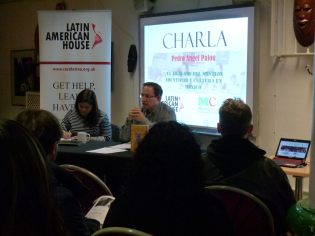 "Todo un éxito la charla ""El fracaso del mestizo, identidad y cultura en México"", del escritor y académico mexicano Pedro Ángel Palou. El evento se realizó el 14 de noviembre de 2015, en Londres, Reino Unido. Organizaron: La Latin American House y el Mexican Cultural Centre (MCC), Reino Unido. Para más información: http://www.casalatina.org.uk/en/culture/what-s-on-culture/106-talk-the-failure-of-mestizo-identity-and-culture-in-mexico.html"